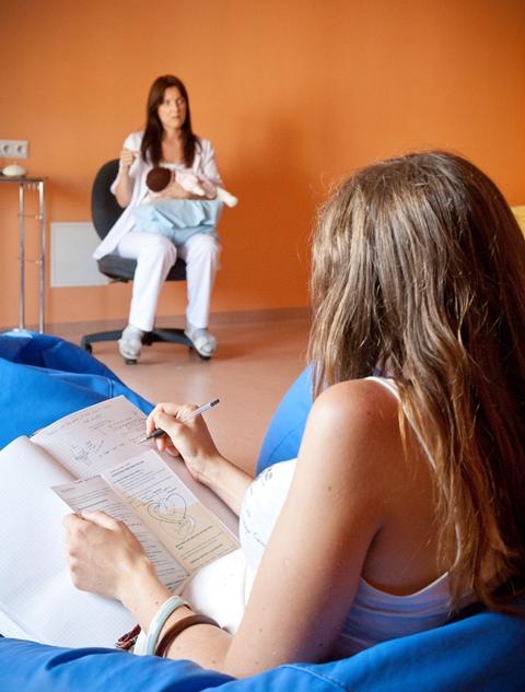 Perekoolil on oluline roll pereks kasvamises ning sünnituseks ettevalmistamisel - Copy